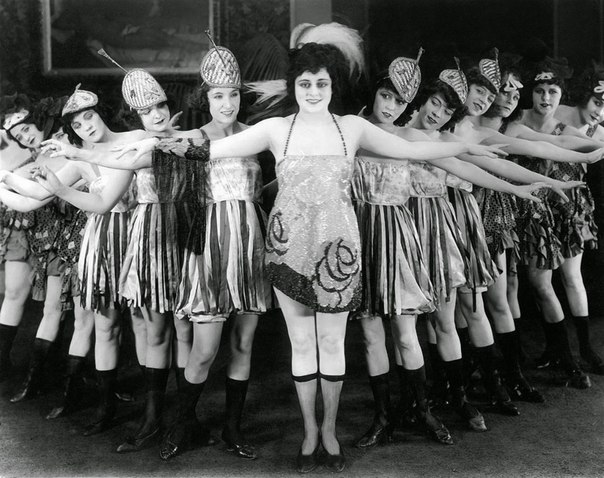 полноразмерное фото галереи cabaret-5